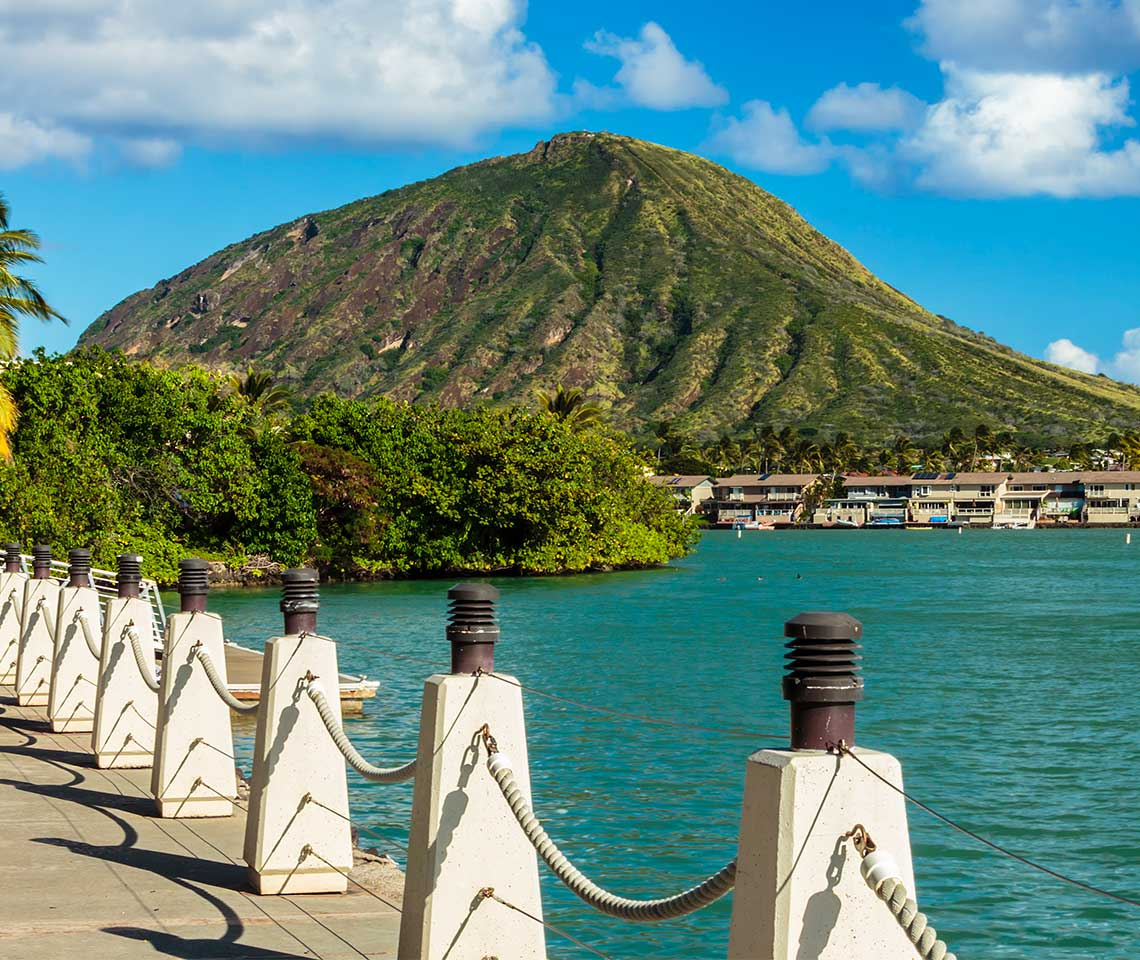 Looking-at-Diamond-Head-from-a-pier
